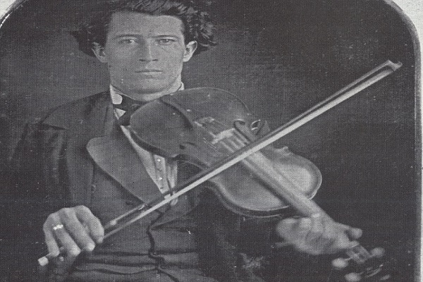 Old-Time fiddling: Bow grips and bowing mentality
